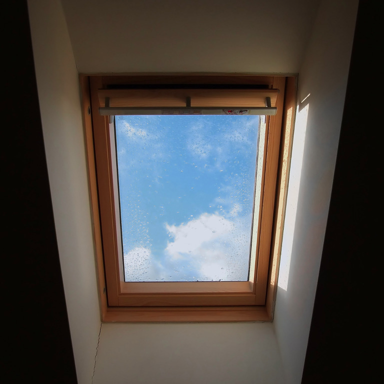 solar powered velux roof window windsor