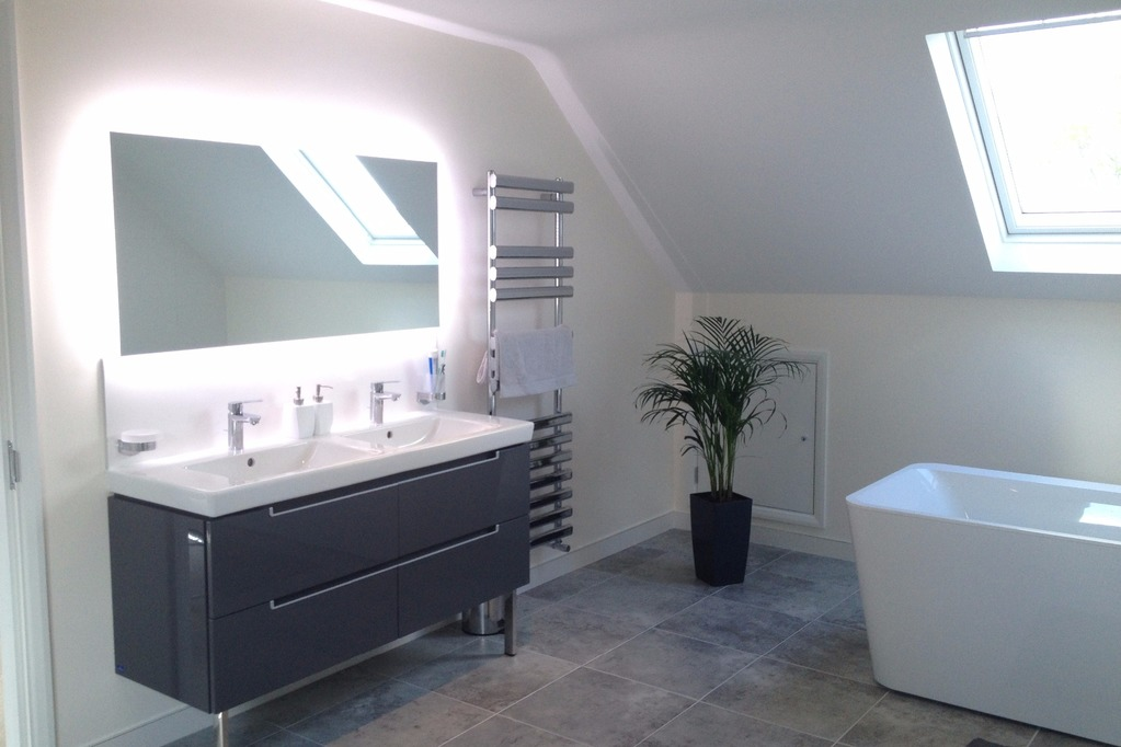 Large bathroom in loft conversion, Bucks