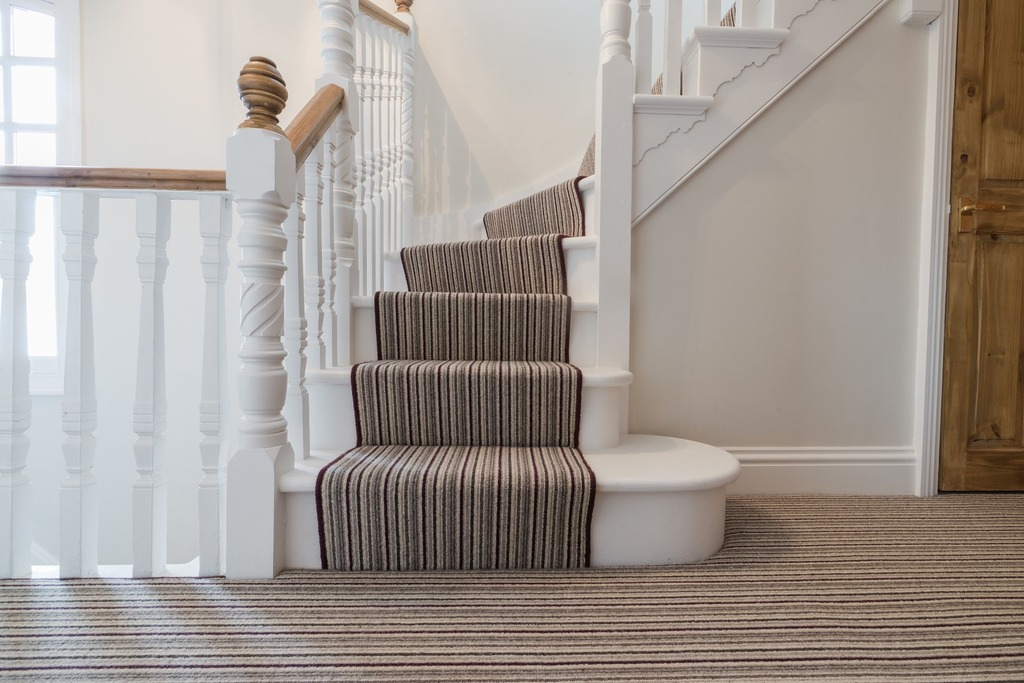 Bullnose step on traditional staircase, Berkshire