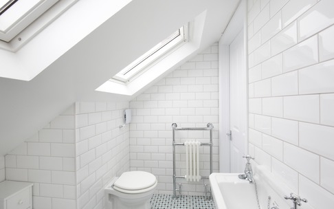 Velux windows in dormer loft conversion en-suite